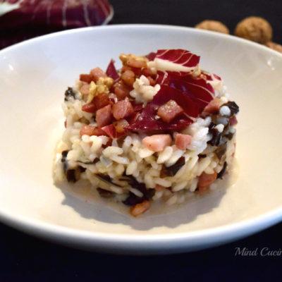 Risotto sapore d'autunno al radicchio pancetta e gorgonzola