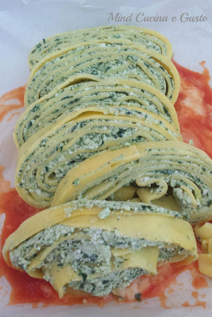 Rotolo di pasta con ricotta e spinaci preparazione