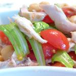 Insalata di pollo ceci e pomodorini
