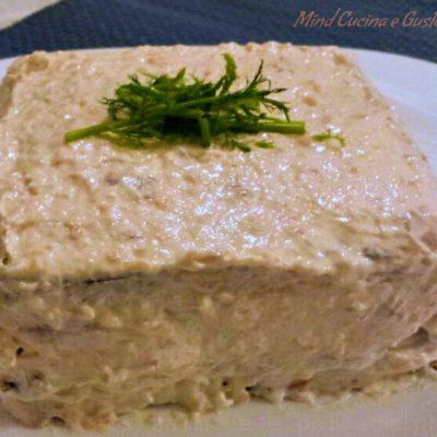 Torta con salmone e philadelphia