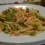 Trofie con zucchine gamberetti e pomodorini