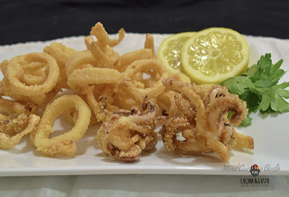 scopri le ultime tendenze carino e colorato professionale Frittura di calamari croccante e morbida con panatura di ...