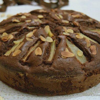 Torta cioccolato pere e mandorle soffice