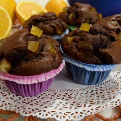Muffin con cioccolato e scorzette di arancia