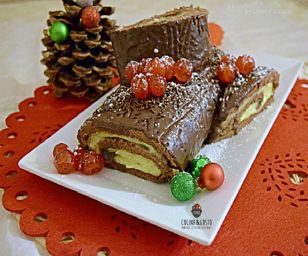 Torta Tronchetto Di Natale.Tronchetto Natalizio Con Crema Pasticcera E Ganache Al Cioccolato
