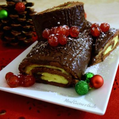 Tronchetto con crema pasticcera e ganache al cioccolato