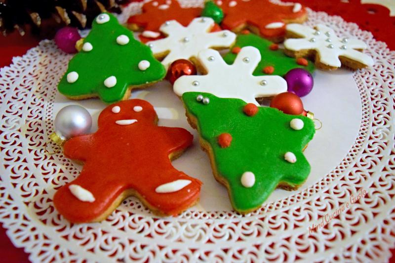 Biscotti con cannella e zenzero - ricetta natalizia
