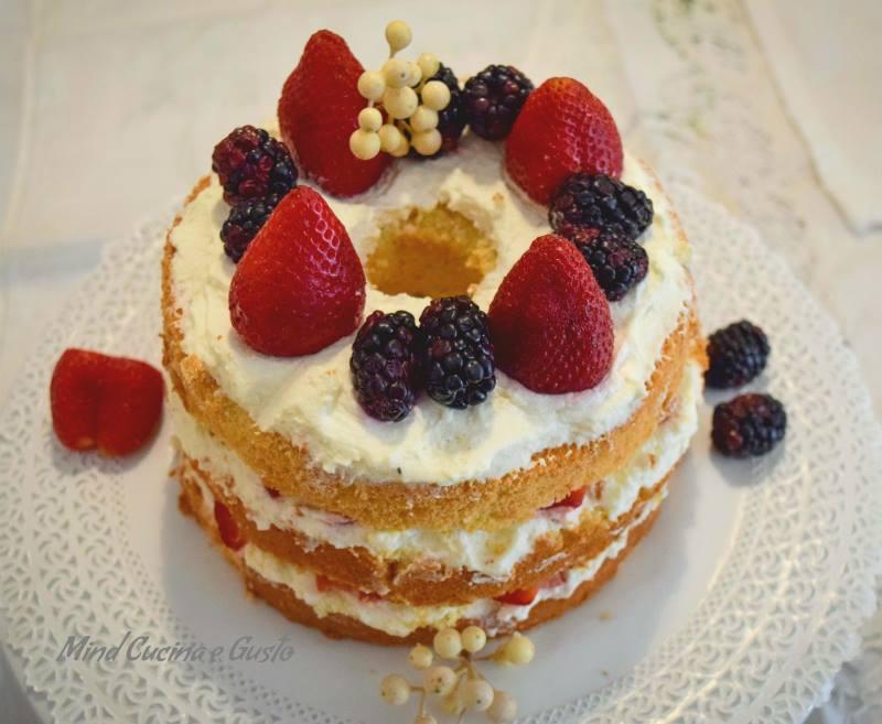 Chiffon Cake ai frutti di bosco