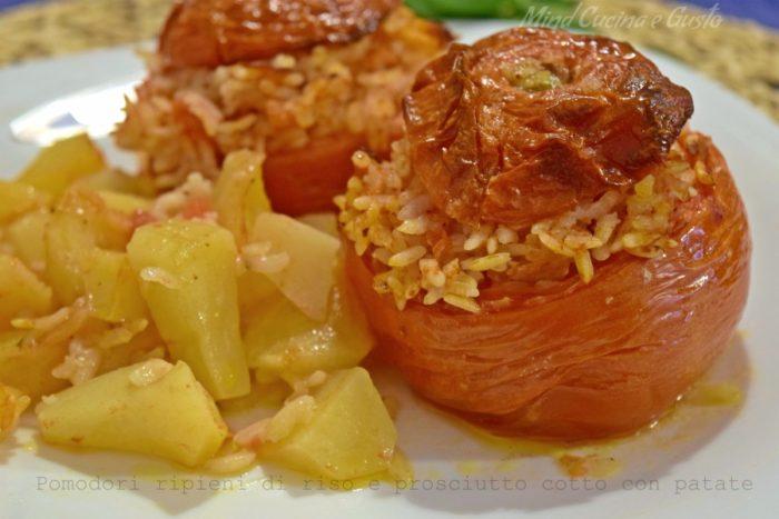 Pomodori ripieni di riso e prosciutto cotto con patate