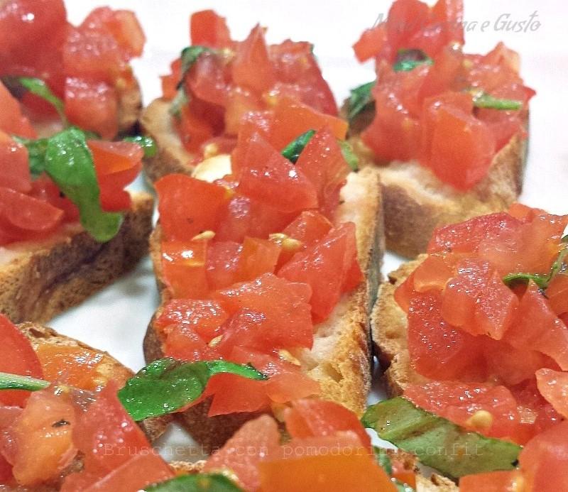 Bruschetta con pomodorini confit