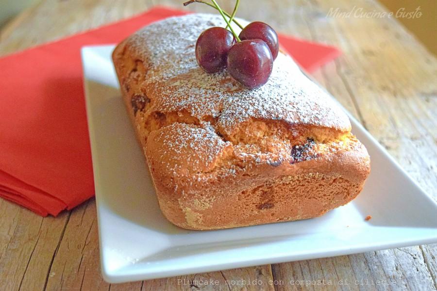Plumcake morbido con composta di ciliegie