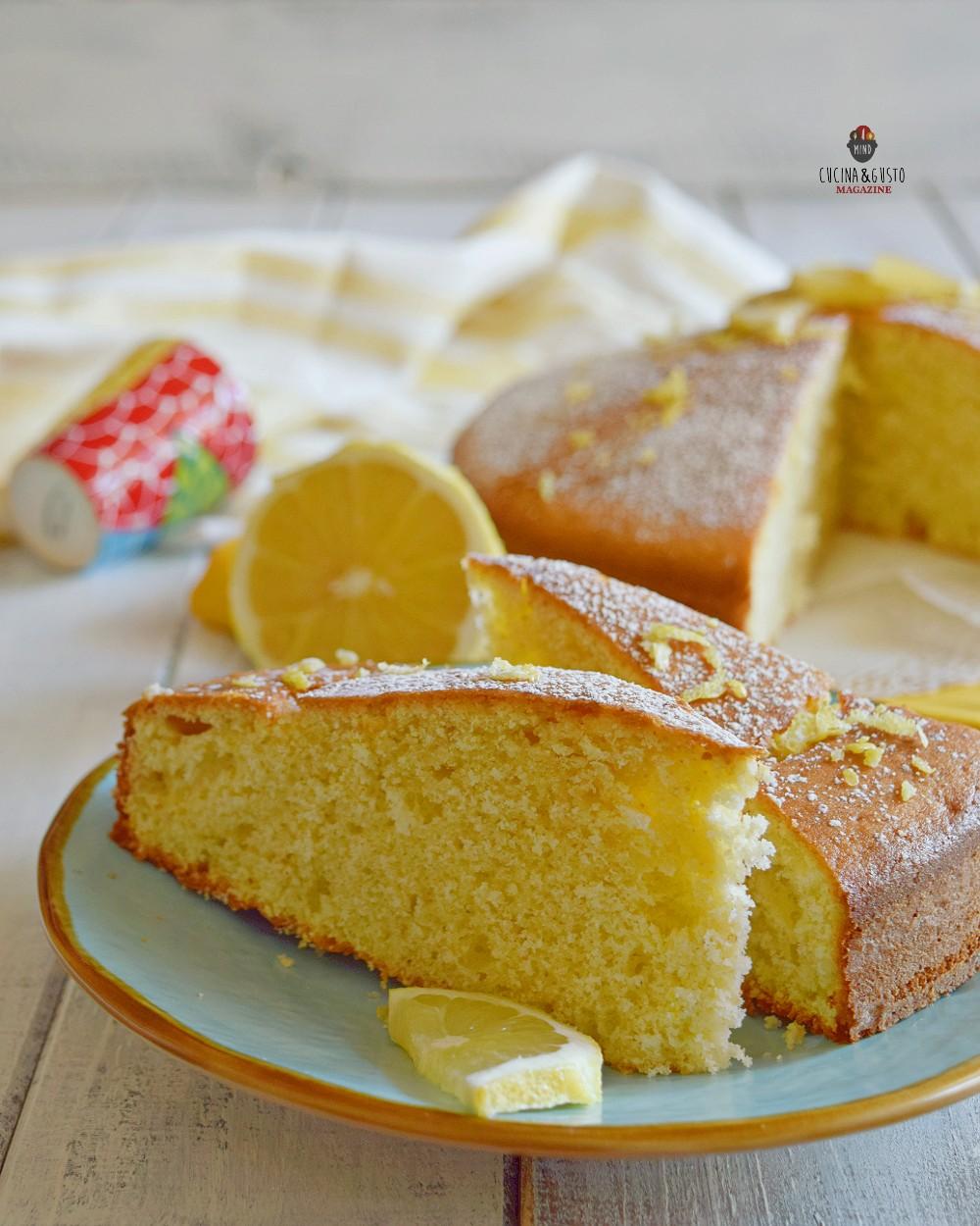 Torta al limone soffice e profumata senza burro