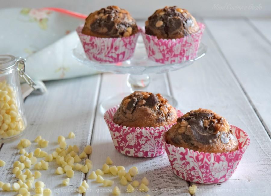 Muffin bicolore con gocce di cioccolato bianco – ricetta senza burro