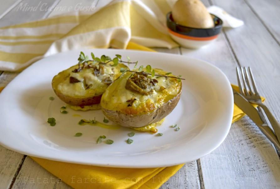 Patate farcite con funghi e fontina