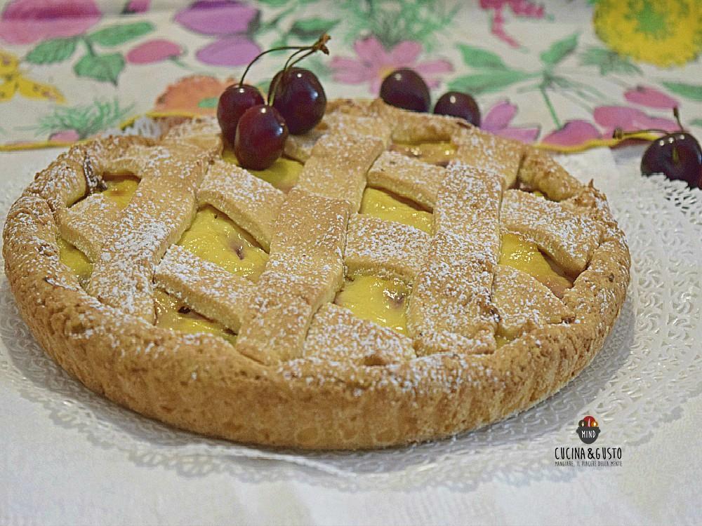 Crostata alle ciliegie e crema di ricotta