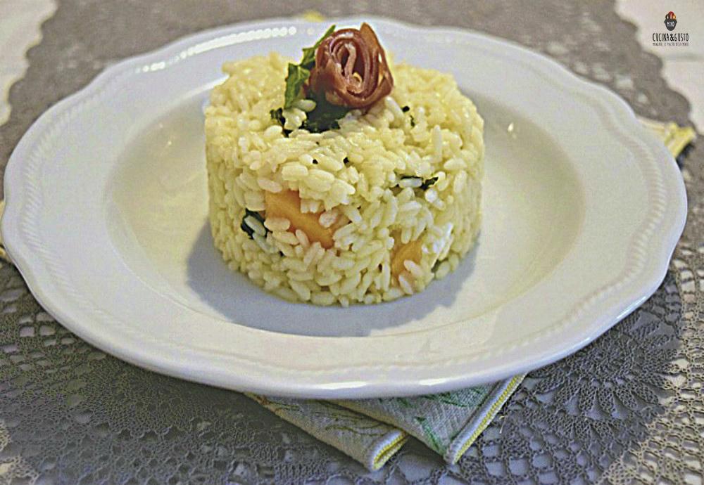 Tortino di riso al melone feta e prosciutto