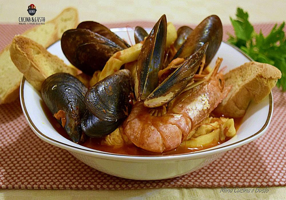 Zuppa Di Pesce Gustosa Senza Spine Piatto Gustoso E Profumato Di Mare