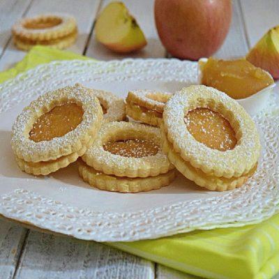 Occhi di bue con composta di mele - ricetta facile