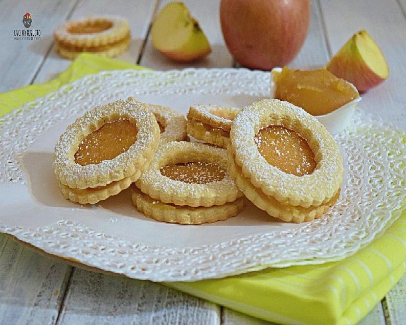 Occhi di bue con composta di mele – ricetta facile