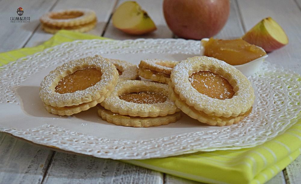 Occhi di bue con composta di mele
