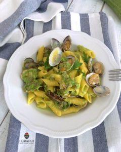 Garganelli con vongole e zucchine