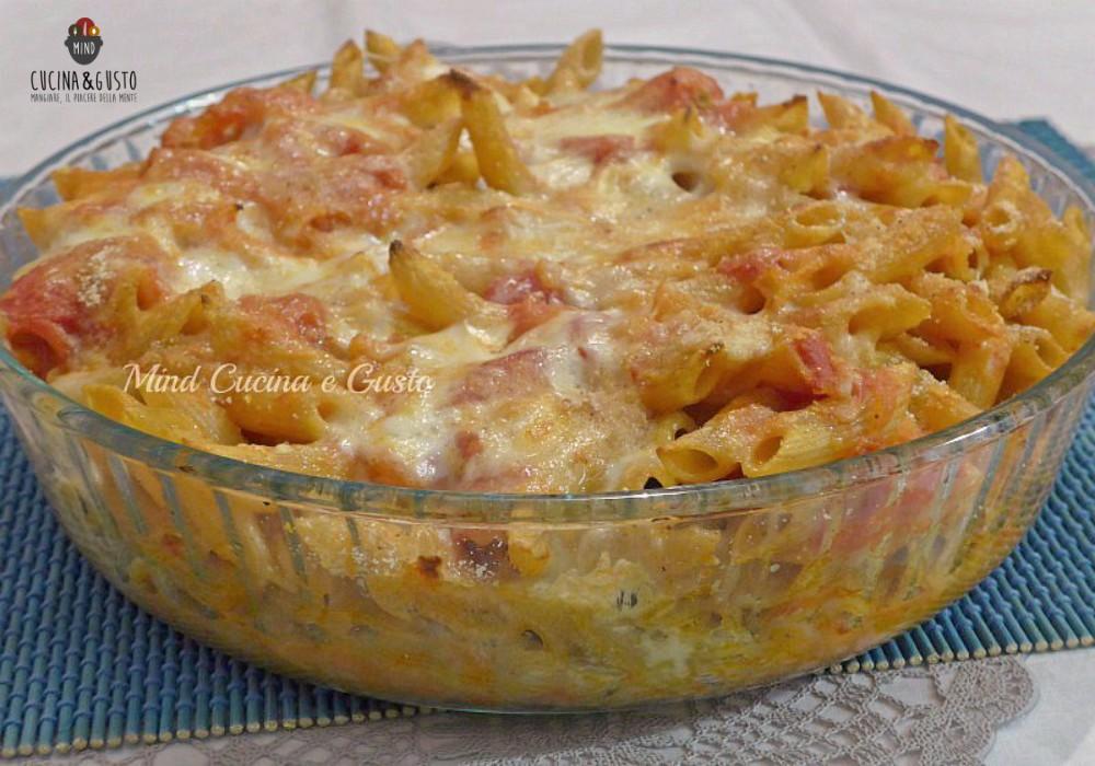 Pasta al forno con mozzarella e prosciutto cotto