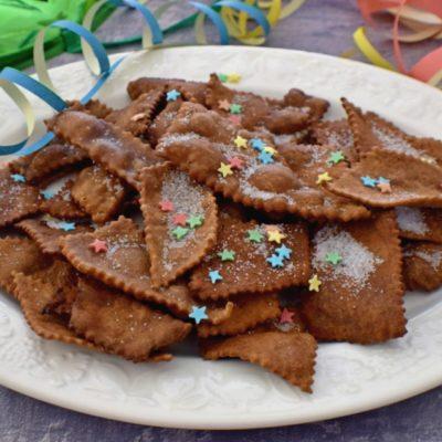 Chiacchiere al cacao e arancio - ricetta facile