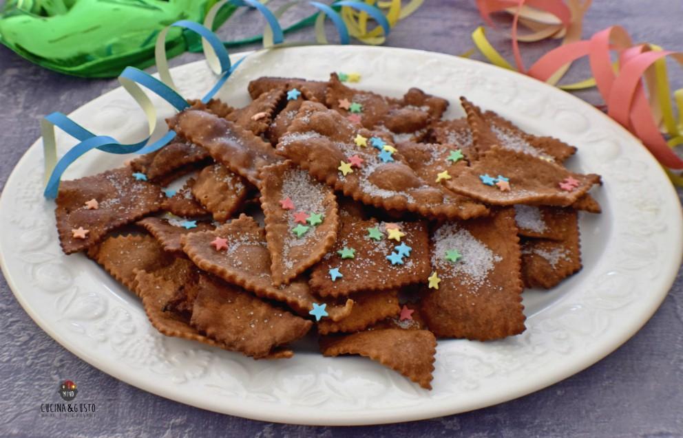 Chiacchiere al cacao e arancio – ricetta facile