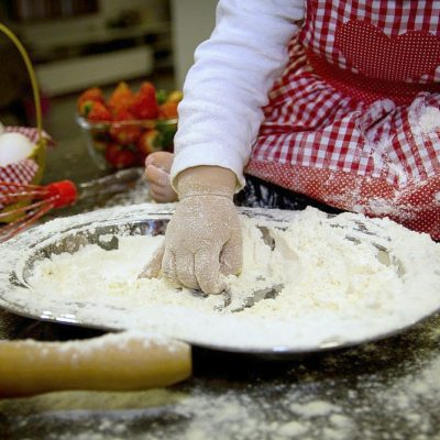 Bambini a casa: 20 ricette facili dolci e salate da fare insieme