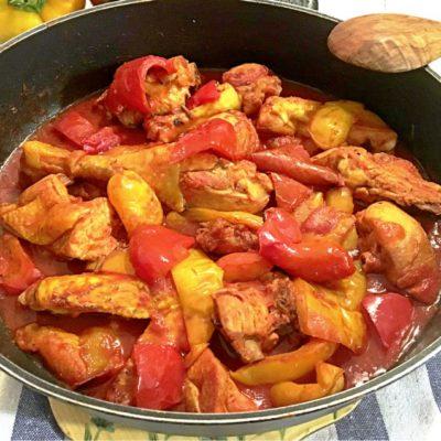 Pollo con i peperoni alla romana – ricetta di tradizione