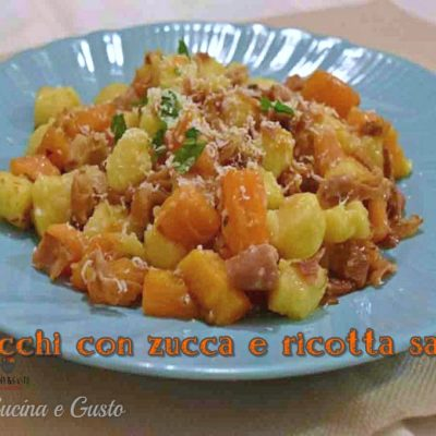 Gnocchi di patate con zucca speck e ricotta salata