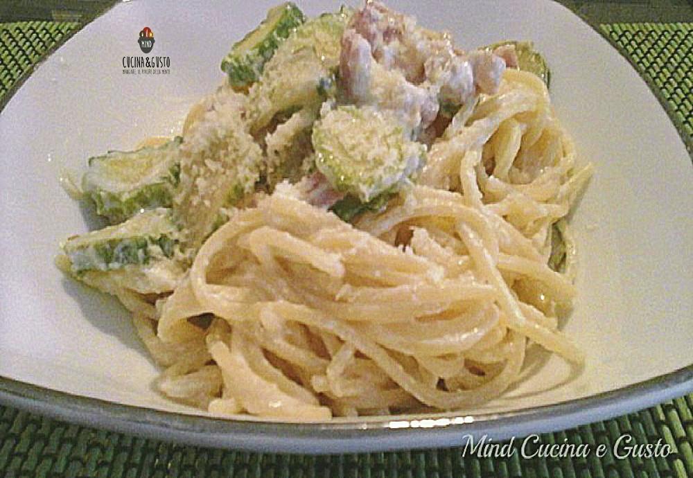 Spaghetti cremosi zucchine pancetta e ricotta