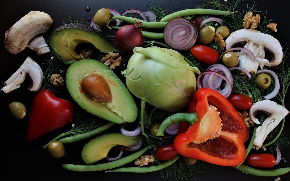 Doppia Piramide, modelli alimentari a favore della salute e un futuro sostenibile Foto di pasja1000 da Pixabay